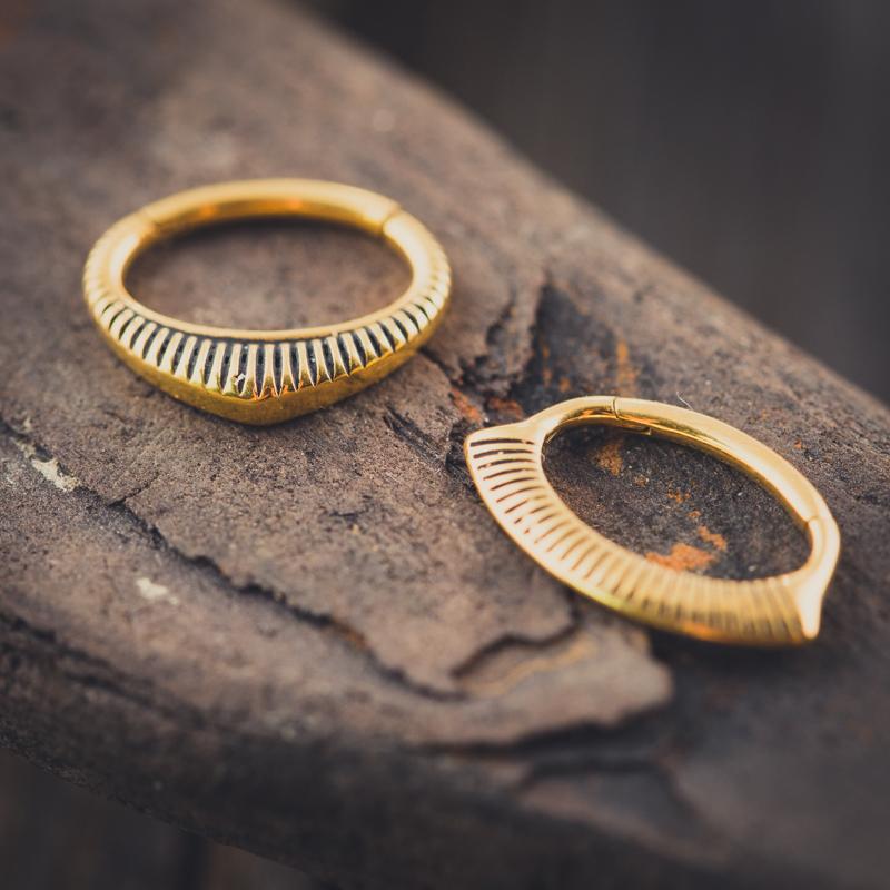 Daith clicker en click ring, geschikt voor Daith piercings